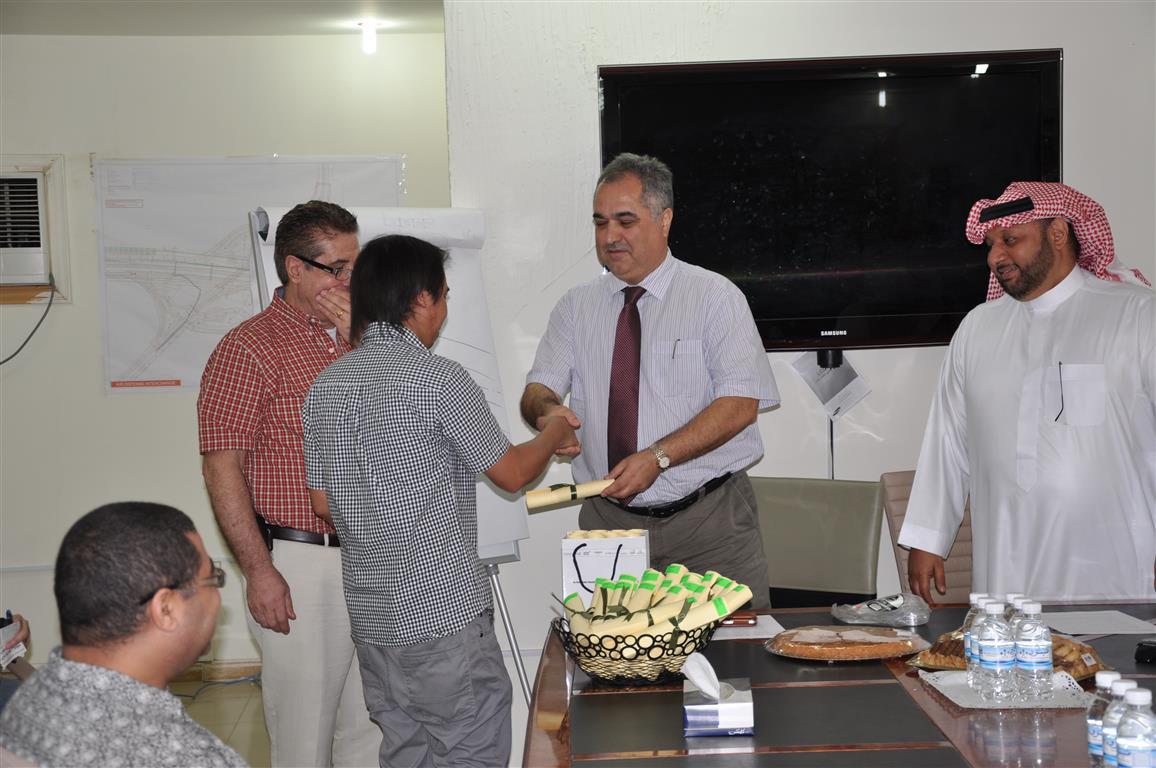 Sharepoint training certificate distribution ceremony. Congratulation.